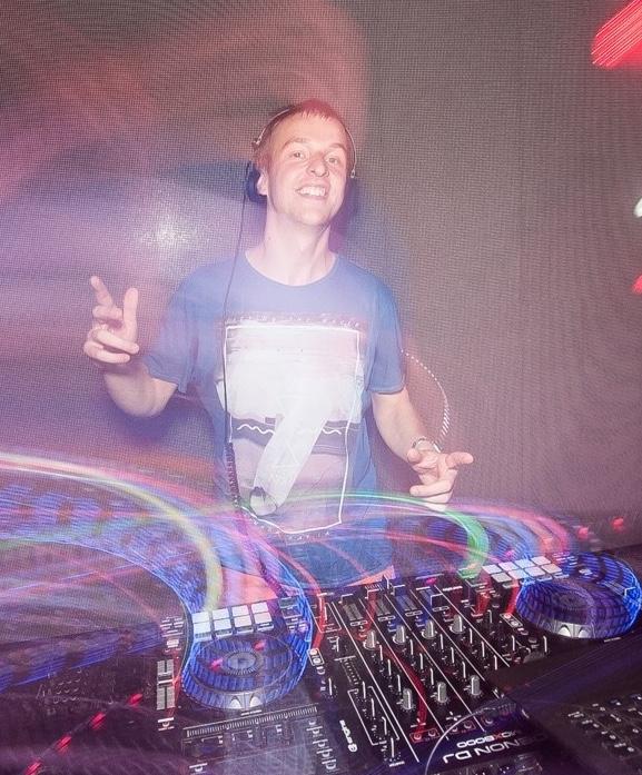 DJ/VJ Lenny LaVida