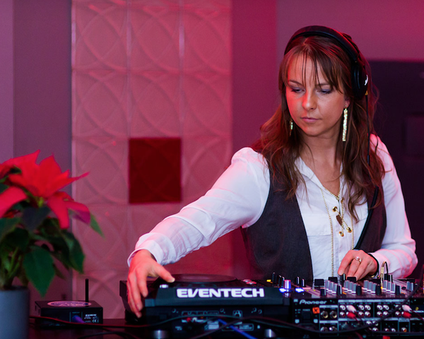 DJ Miss Savi: