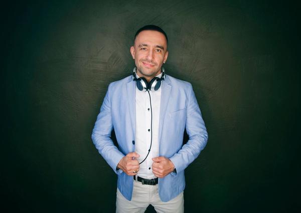 DJ Valentine Black