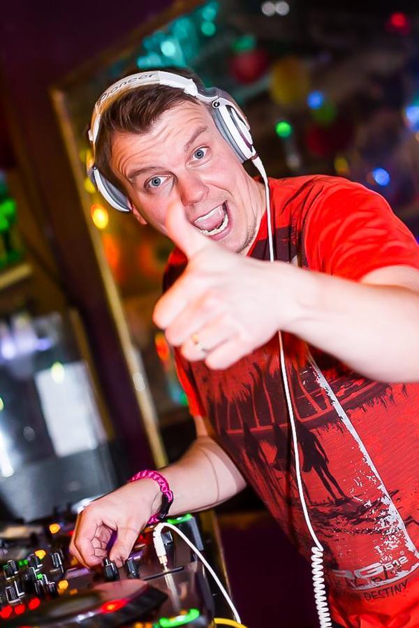 DJ Vaido Pannel